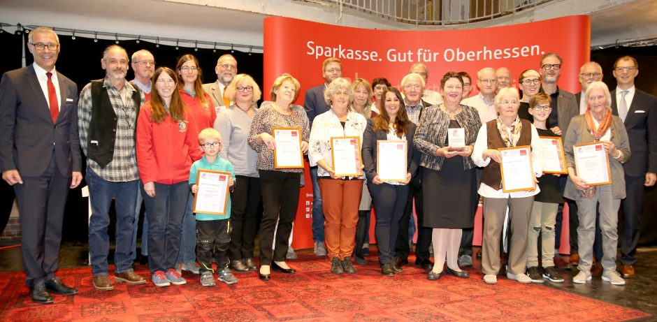 Pressemitteilung: Stiftung der Sparkasse Oberhessen würdigt Engagierte im Wetteraukreis mit Bürgerpreis Oberhessen