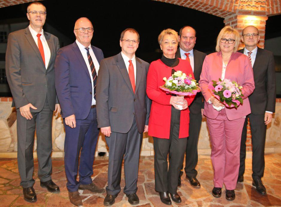 Pressemitteilung: Sparkasse Oberhessen ehrt langjährige Mitarbeiter