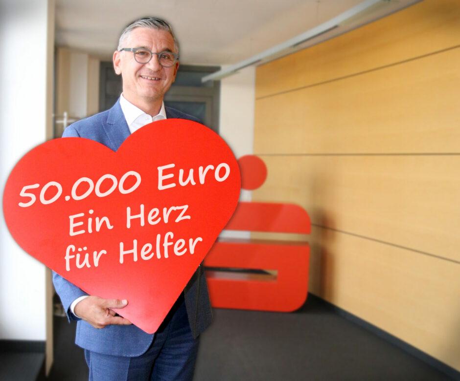 """Corona-Spendenaktion """"Ein Herz für Helfer"""" – Sparkasse Oberhessen spendet 50.000 Euro"""